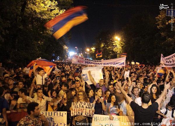 ادامه تظاهرات گسترده در ارمنستان علیه افزایش قیمت برق+تصاویر