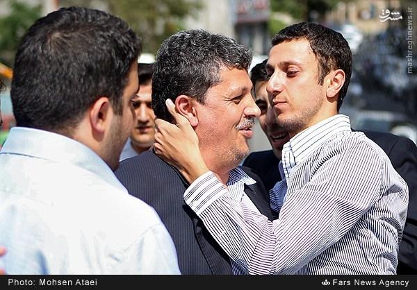 پسر مهدی هاشمی در بدرقه پدرش به زندان اوین