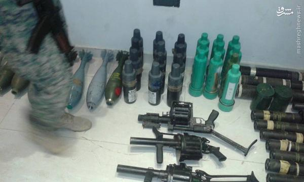 کشف سلاح و مهمات اسراییلی از تروریستهای تکفیری در سویداء+تصاویر