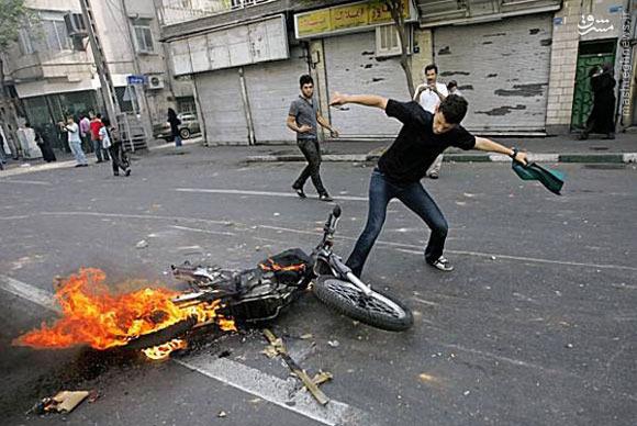 این خانم جوان در تهران چه می خواهد؟