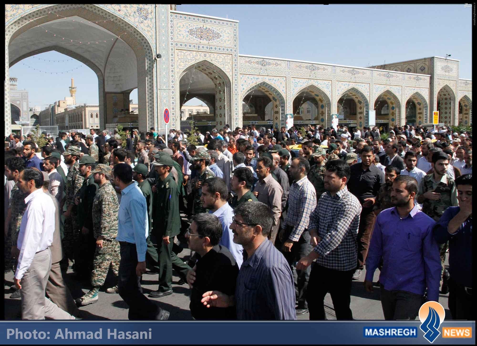 تصاویر/ تشییع اولین برادرانِ شهیدِ «مدافع حرم» در مشهد