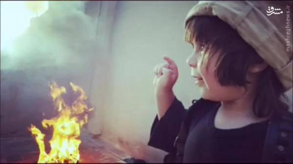 آموزش جنایت به کودک دو ساله داعشی+تصاویر