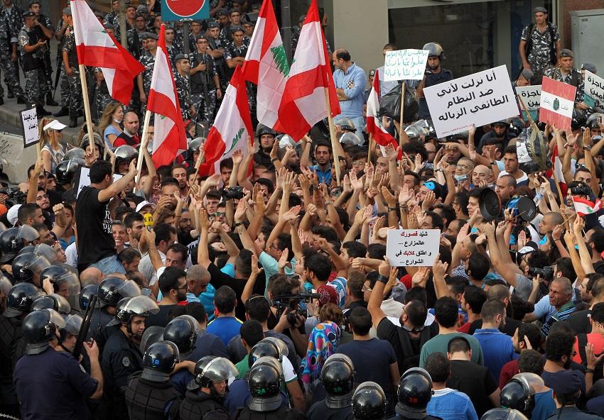اعتراضات مردمی لبنان؛ دوراهی منافع ملی یا فتنه داخلی؟/ واکنش حزب الله به این تظاهرات چیست؟
