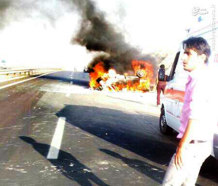 در آتش سوختن خودرو پراید در محور قروه همدان با 2 کشته + عکس