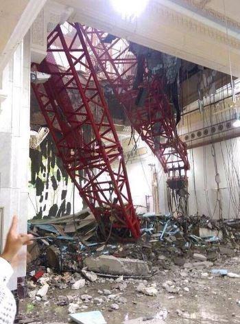 65کشته بر اثر سرنگونی بالابر ساختمان در مکه +عکس