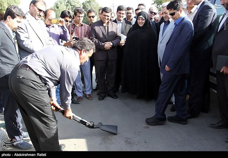 آخرین زیارت آیت الله خزعلی از شاه خوبان/ شکستن تفنگ جلوی پای معصومه ابتکار/ بازی نوه امام با یک کودک