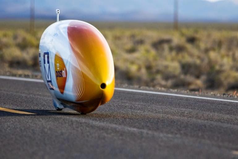 این دوچرخه رکورد سریعترین وسیله نقلیه انسانی در جهان را شکست