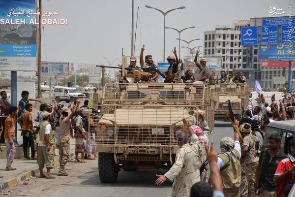 رژه پیروزی کاروان زرهی امارات و سعودی در عدن+تصاویر