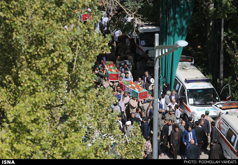 آغاز مراسم تشییع پیکر جانباختگان فاجعه منا/حضور هاشمی رفسنجانی در مراسم تشییع/همسر شهید علیمحمدی: سعودیها را سر جای خود مینشانیم
