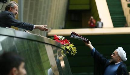 روحانی93: آماده اداره اقتصاد با کاهش قیمت نفت هستیم/ روحانی94: کاهش قیمت نفت موجب بازگشت اقتصاد به رکود میشود