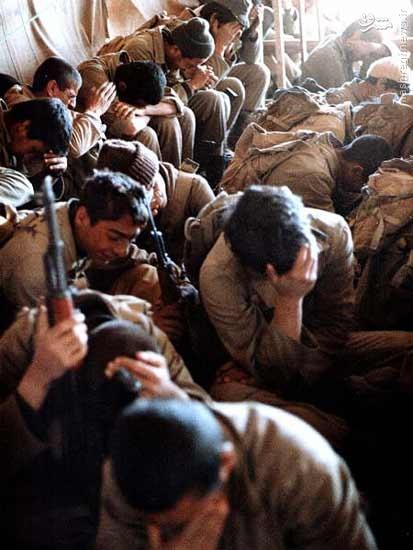 عکس/ عزاداری رزمندگان در جبهه