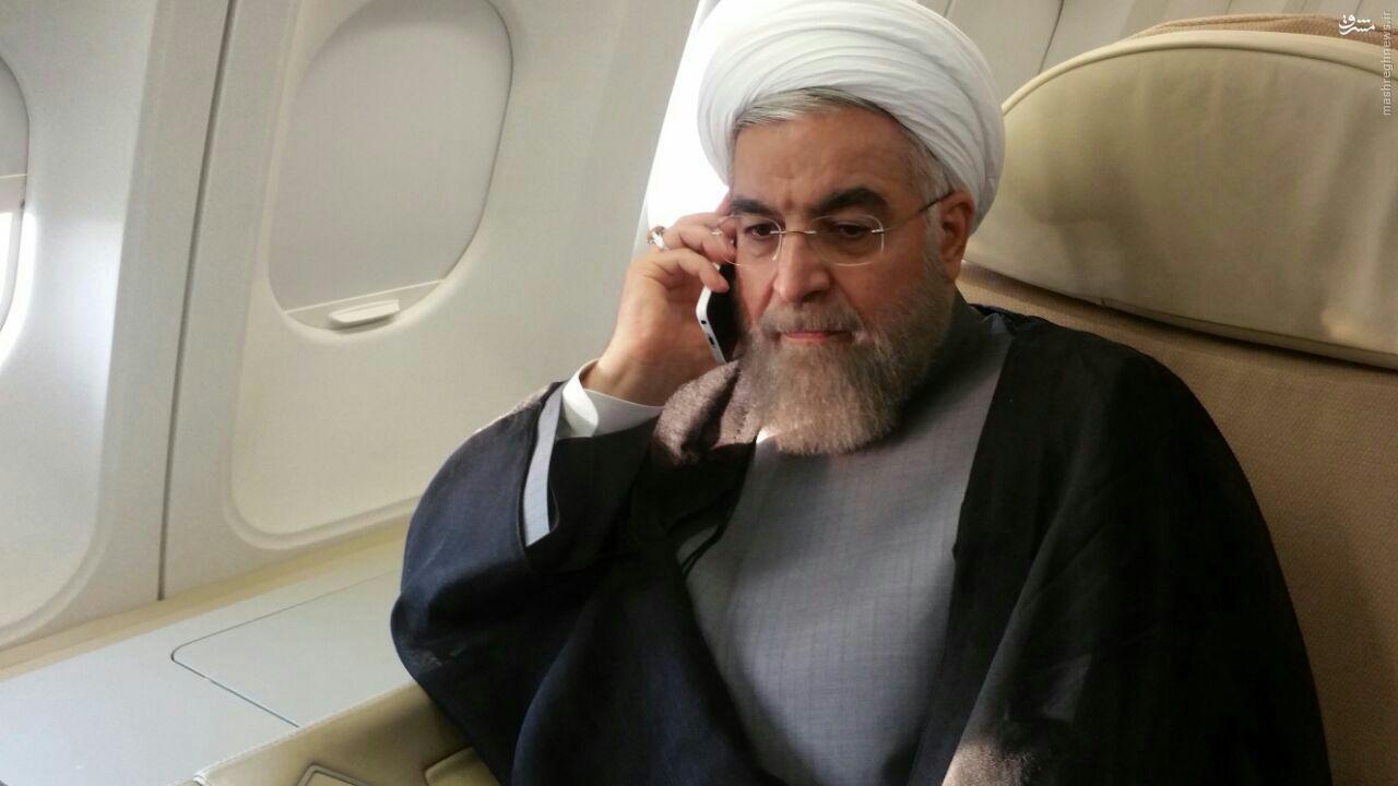 عکس/ لحظه ای که روحانی در جریان فاجعه منا قرار گرفت