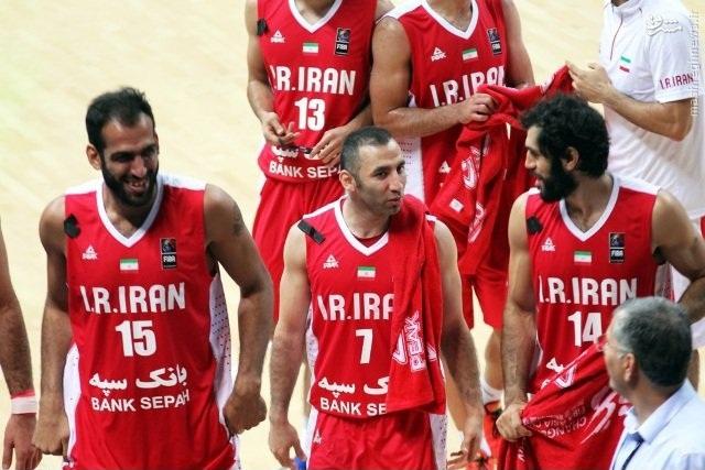 همدردی بسکتبالیستها با هموطنان عزادار +عکس