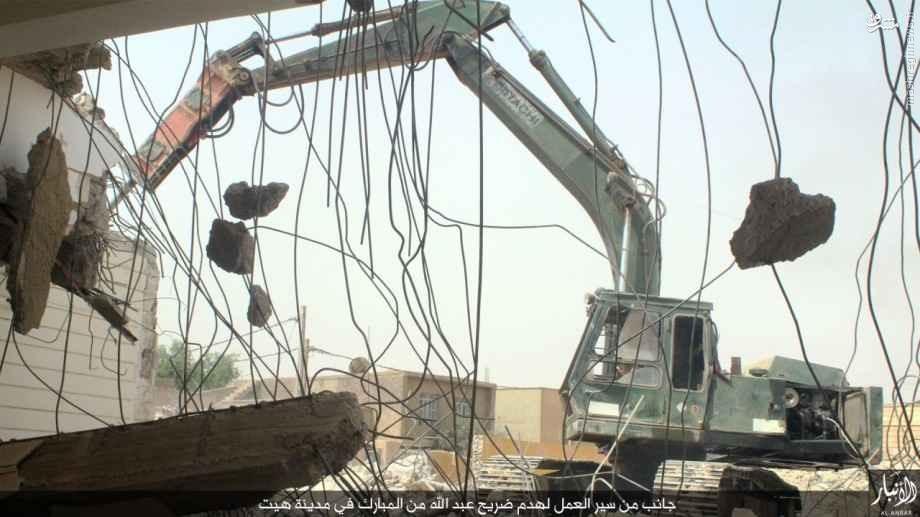 تخریب قبر عالم اهل سنت توسط داعش+تصاویر