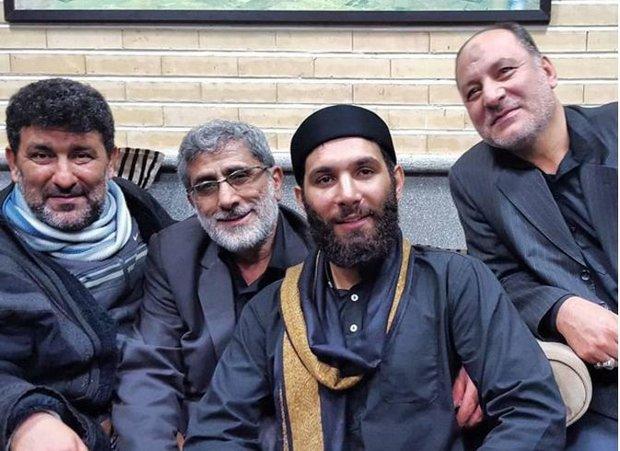 عکس/ جانشین سردار سلیمانی در کنار مداح معروف