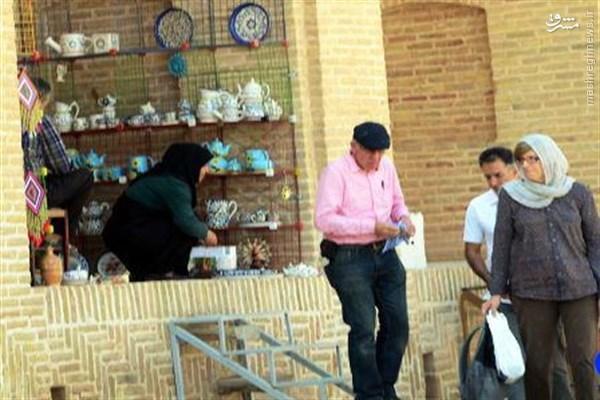 رمزگشایی محتشمیپور از ماوریتهای جک استراو در ایران/ ماجرای مذاکره تلفنی با وزیر ایرانی در توالت!