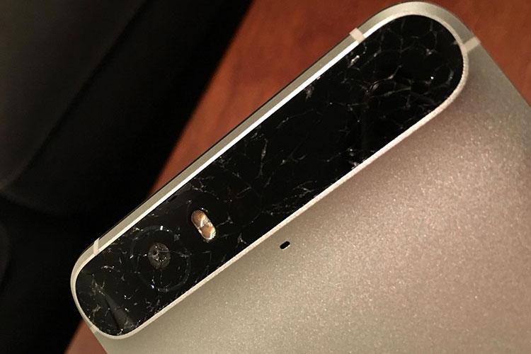 نوار شیشهای پشت بعضی از تلفنهای نکسوس 6 پی شکستهاند