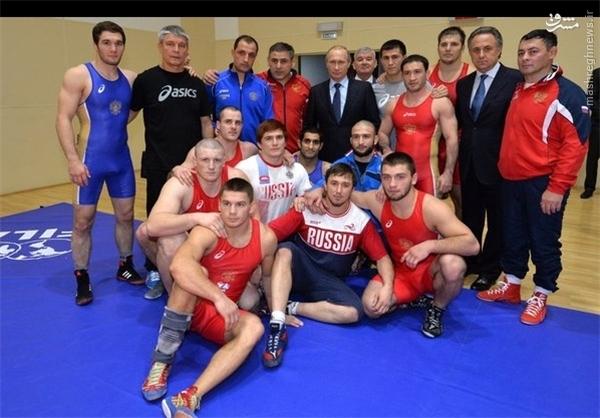 پوتین در اردوی تیمهای ملی کشتی روسیه +عکس