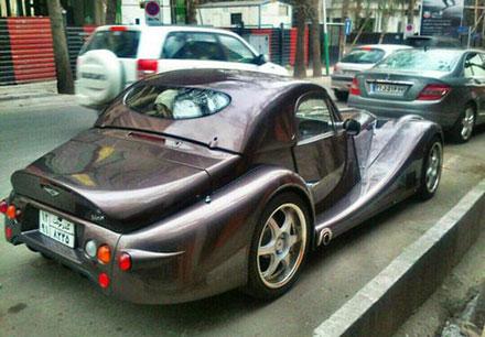 ورود دو خودروی عجیب به تهران +عکس