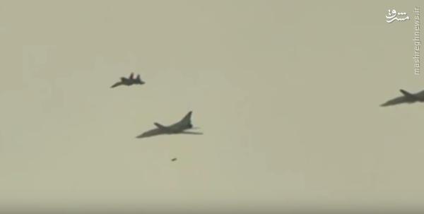 بمباران پایتخت داعش با بمب افکن استراتژیک روسی+عکس و فیلم