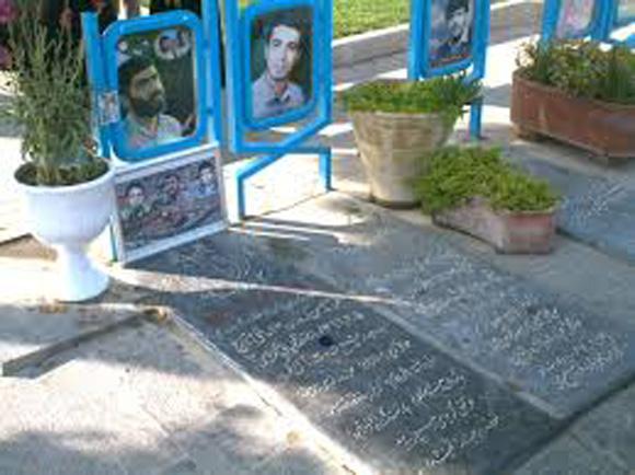 پاسداری که لباس سپاه نپوشید تا داخل قبر+عکس