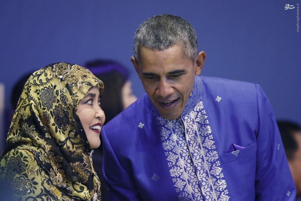 عکس/ حرفهای درگوشی اوباما و همسر سلطان