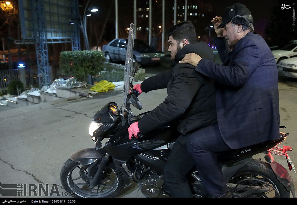 عکس/ وزیر کار پشت موتورسیکلت