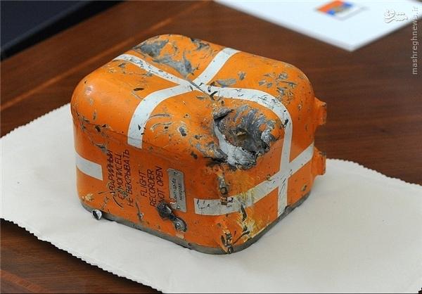 عکس/ جعبه سیاه جنگنده روسی روی میز پوتین