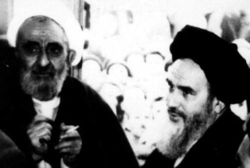 عالمی که امام خمینی(ره) کفشهایش را جفت کرد