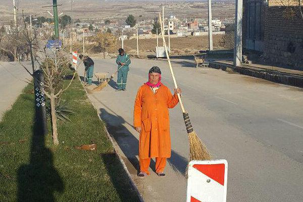 تنها رفتگر زن ایرانی +عکس