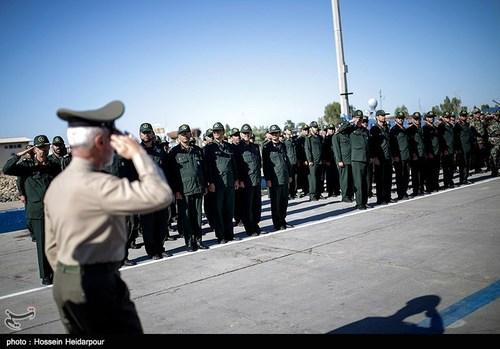 عکس/ احترام پاسداران به فرمانده کل ارتش