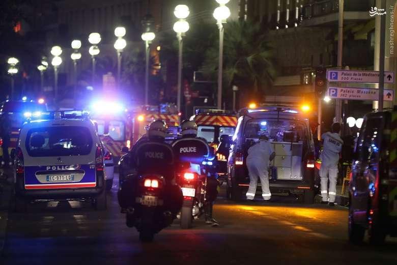حمله تروریستی در شهر نیس فرانسه/ آمارهای از 160 کشته و زخمی حکایت دارد +تصاویر و فیلم