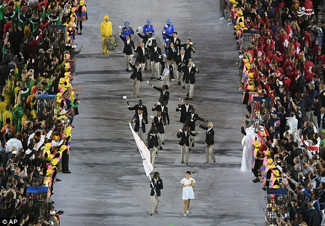 لباس جدید ورزشکاران ایرانی در المپیک بلاغ مازندران - عکس/ رژه تیم پناهجویان در مراسم افتتاحیه ...