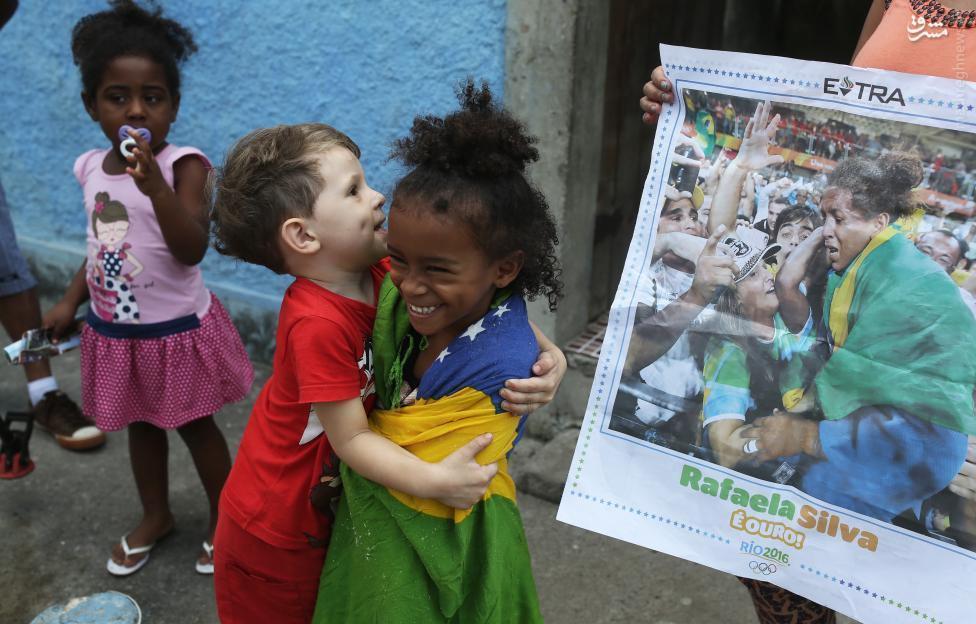 عکس/ شادی در خرابههای ریودوژانیرو