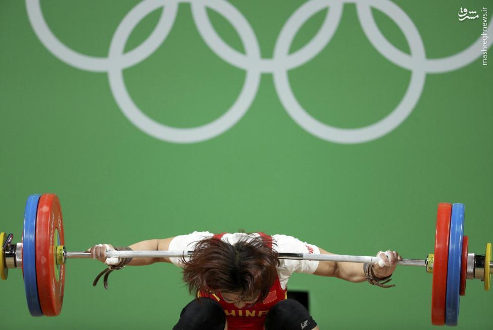 عکس/خطری که از بیخگوش وزنهبردار زن چین گذشت