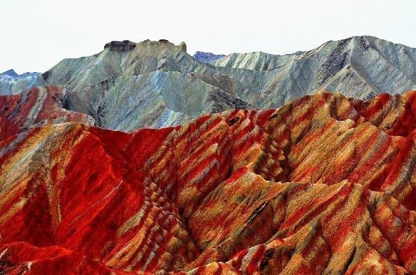 راز کوهستان رنگین کمانی در چین +عکس