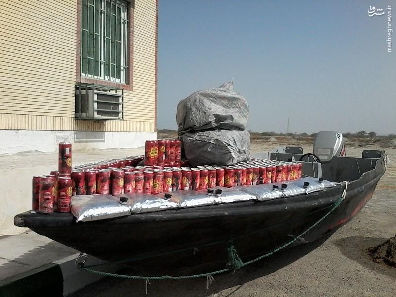 کشف قوطی های مشروبات الکلی در قایق تندرو