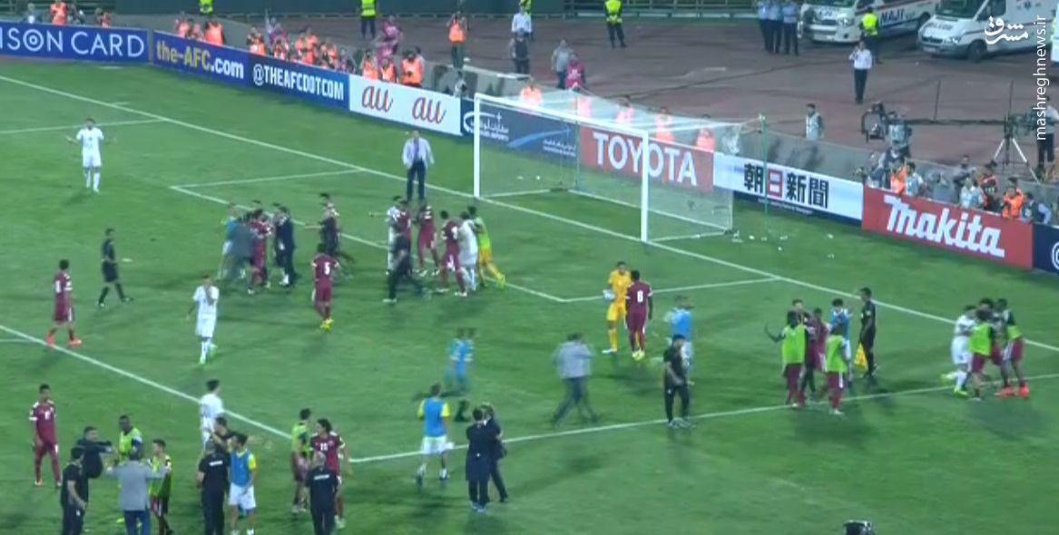 عکس/ درگیری شدید در پایان بازی ایران