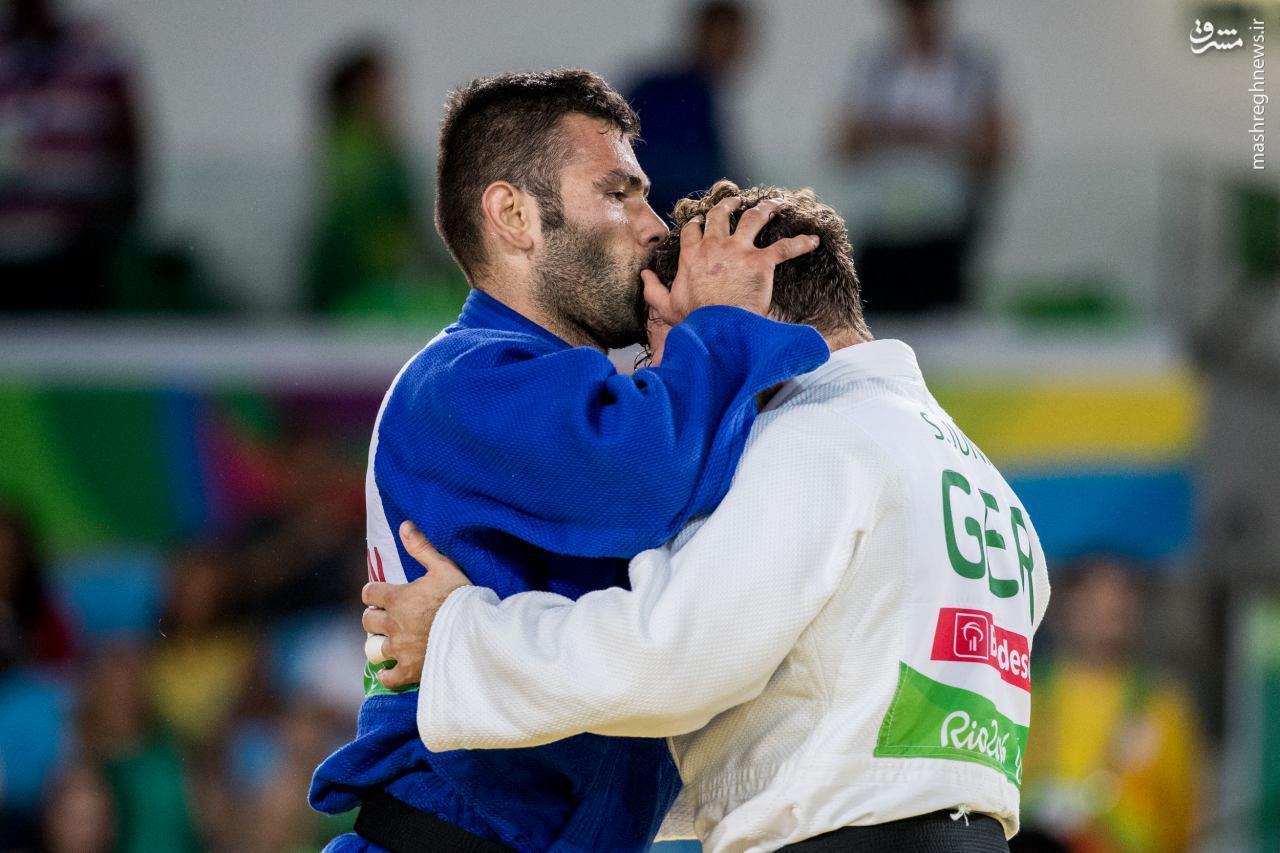 عکس/ حرکت جوانمردانه نماینده ایران در پارالمپیک
