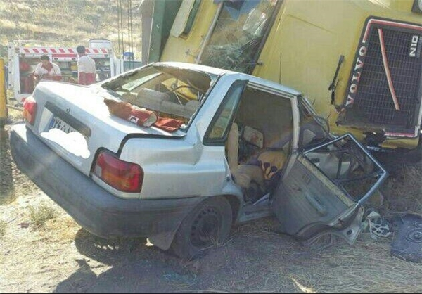 واژگون شدن کامیون بر روی پراید +عکس