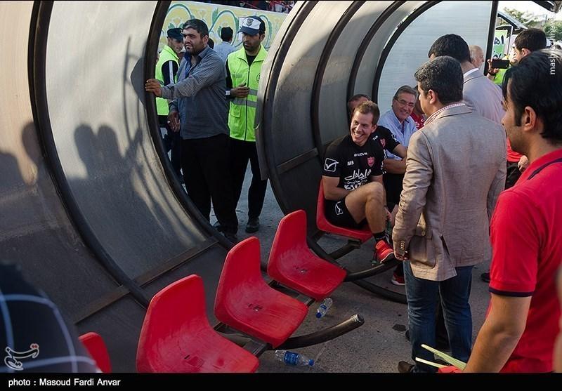 عکس/ خنده تلخ پرسپولیسیها روی نیمکت