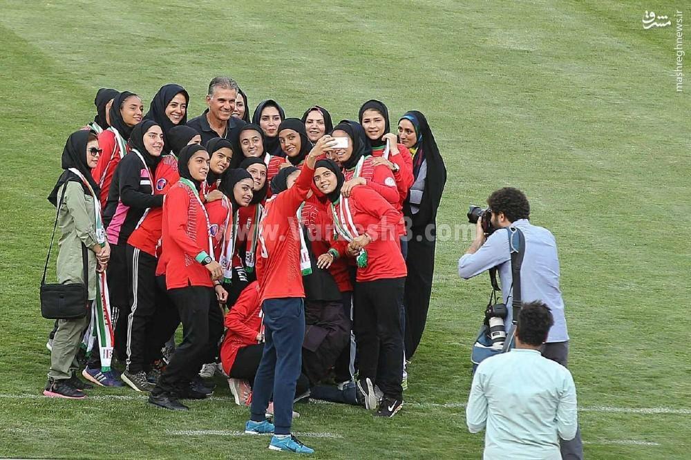 عکس/ سلفی دختران تیم ملی با کیروش