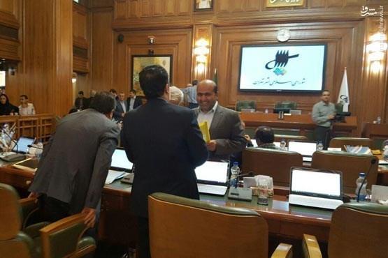 رئیس شورای شهر اصولگرا ماند/ چمران ۱۶ رأی مسجدجامعی ۱۴ رأی/ طلایی نایب رئیس شد/ شکست پروژه دروغ های نجومی