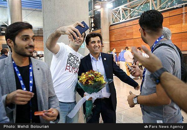 عکس/ سلفی با مربی تاریخساز ایرانی