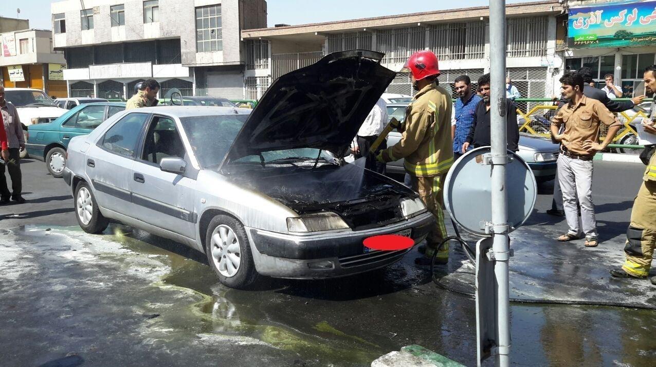 حریق ناگهانی زانتیا در سه راه آذری تهران +تصاویر