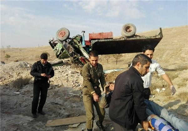 واژگونی کامیون در تبریز حادثه آفرید +تصاویر