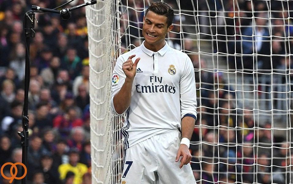 عکس/ ژست جالب رونالدو پس از هدر رفتن موقعیت گل