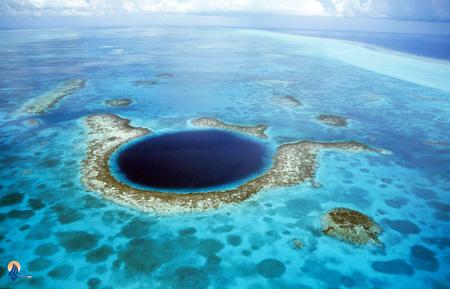 چاه آبی بزرگ: در میان دریایی در