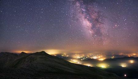 تصویری از کهکشان راه شیری که توسط رصدخانه گریینویچ در انگلیس گرفته شده است