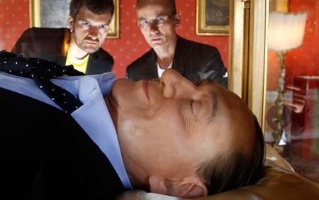 ساخت نمونه ای خیالی از جسد نخست وزیری سابق ایتالیا سیلویو برلوسکونی – رم – 29 می 2012